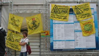 09-22-no-al-fracking-a